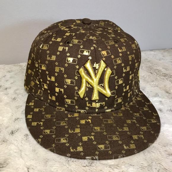 44e999ca477ee6 🆕NY Yankees Metallic Gold/ Brown MLB New Era Hat.  M_5b66429c1070eeed335b2cdf